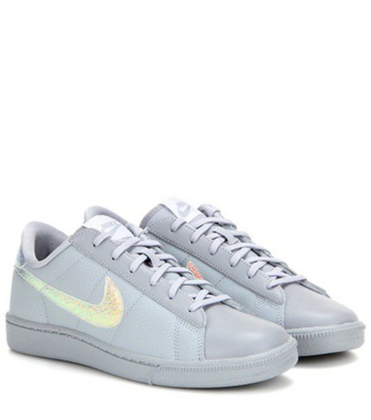 nike tennis classic premium leather sneakers in grey. Black Bedroom Furniture Sets. Home Design Ideas
