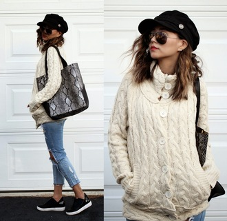 different cands blogger cardigan jeans cable knit fisherman cap snake print shoes sailor