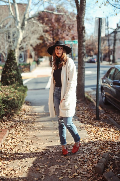cardigan tumblr white cardigan felt hat hat top black top denim jeans blue jeans shoes red shoes loafers red loafers