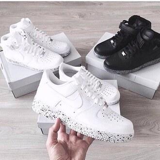 shoes sneakers nike sneakers street