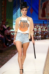 top,shorts,alessandra ambrosio,model,jacket,runway,crop tops