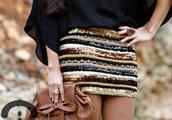 glitter golden skirt,skirt,sequins,gold,bronze,brown,cream,striped skirt,fall outfits,bag,party,metallic