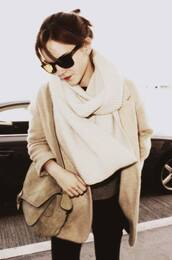 emma watson,coat,jacket,brown,cardigan,cream,scarf,leather bag,black,light brown,blazer,oversized scarf