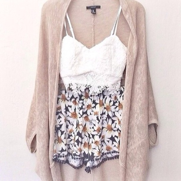 lace bralette white bralette bralette flowered shorts floral daisy white crop tops printed shorts knitted cardigan taupe cardigan shorts flowers tank top flower shorts bustier flowered shorts flowers