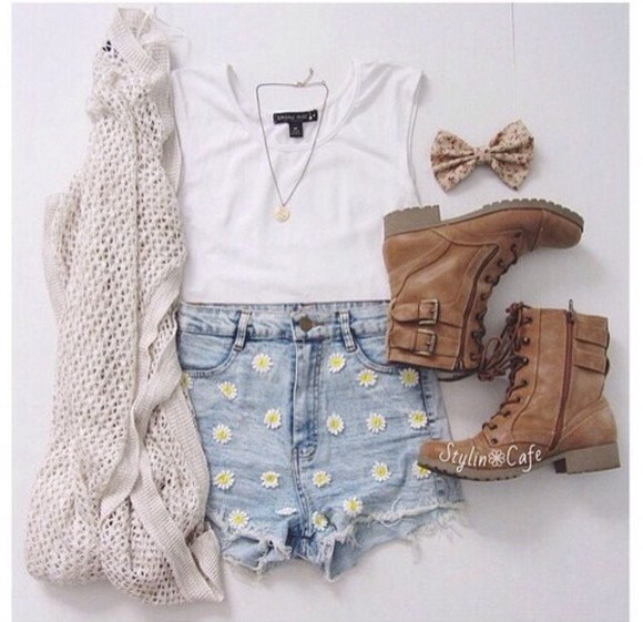 jeans boots rock t-shirt grunge cardigan
