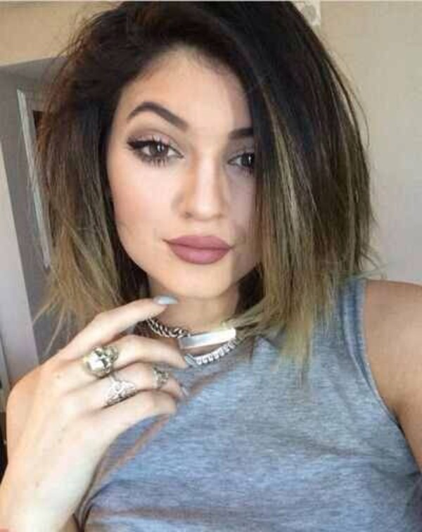 make-up kylie jenner make-up lipstick colorful trendy grunge 90s style fashionista girl fashion celebrity style jewels