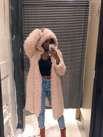 cardigan pink fur fluffy faux fur coat fur coat tumblr tumblr outfit kylie jenner kendall and kylie jenner black dress black black shirt jeans ripped jeans
