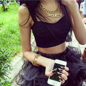 skirt,top,tank top,jewelry,necklace,black,bracelets,gold,nails,jewels