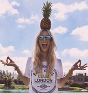 shirt,t-shirt,sunglasses,summer holidays,black and white,round sunglasses,pineapple,retro,summer,bad girls club,bad,girl,clubwear,london,top