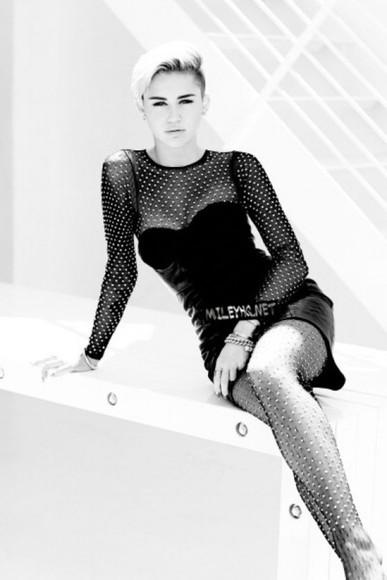 miley cyrus little black dress