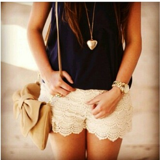 jewels heart necklace shorts top