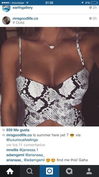 top snake print black crop top black top top #classy #summer #white #girly