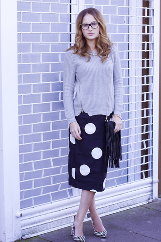 at fashion forte blogger polka dots pencil skirt knitted sweater grey sweater