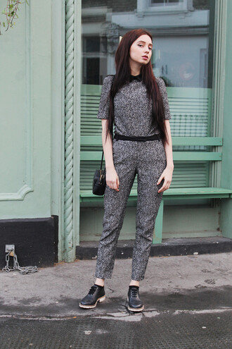 ams la la land blogger shoes office outfits grey top pants coat