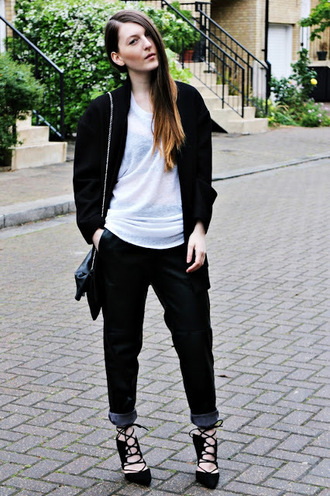 magdarling blogger oversized t-shirt black pants black jacket strappy sandals