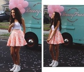 skirt,madison beer,hipster,outfit,top,crop tops,shoes