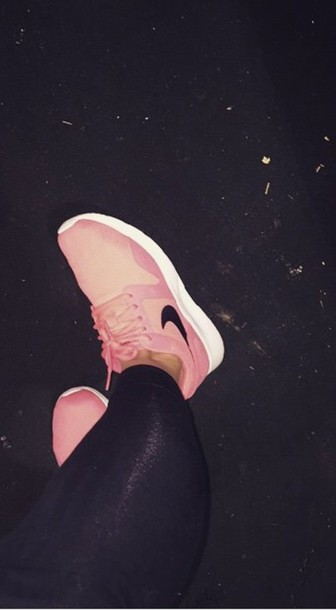 shoes coral nikes