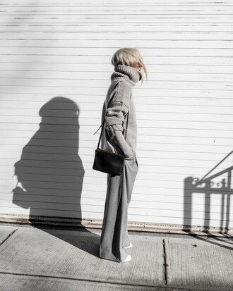 sweater bag tumblr knit knitwear knitted sweater grey sweater turtleneck turtleneck sweater pants grey pants all grey everything wide-leg pants