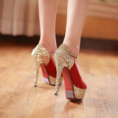 shoes,glitter,red,gold,gold sequins,heels,high heels,red shoes,gold shoes,stilettos,sparkle,shiny,love,pretty,cute