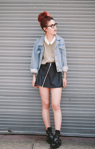 le happy blogger balenciaga cut out ankle boots collar denim jacket leather skirt zip zipped skirt zip-up skirt mini skirt black leather skirt blue jacket glasses skirt