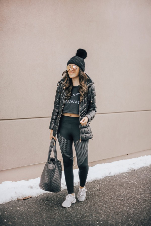 stephanie sterjovski - life + style blogger top leggings shoes jacket sunglasses bag hat beanie sportswear sports leggings