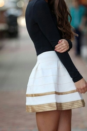 skirt,skater skirt,gold,white,new years eve outfit,tumblr skirt,hipster,grunge,new year's eve,new years outfit,shiny,s'cute,help!! me,mini skirt,gold sequins,high waisted skirt,perfecto,black t-shirt,preppy,gold and white,fall outfits,white skirt,gold skirt,white and gold,striped skirt,stripes