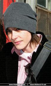 shane,kate moennig,grey hat,black hat,hat