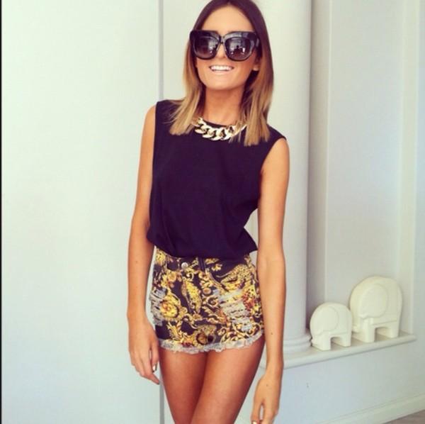 shorts shirt sunglasses jewels