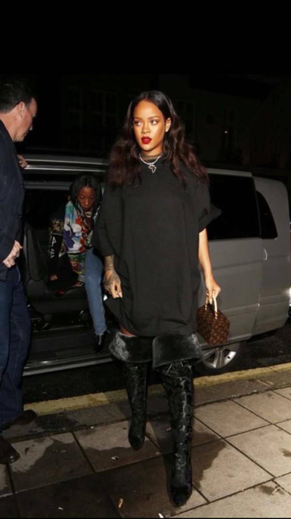 Rihanna Sweater Dress January 2017