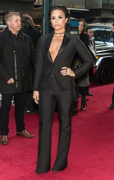 jacket suit pants plunge v neck all black everything