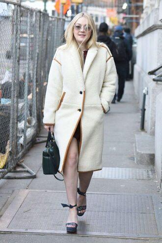 coat dakota fanning streetstyle winter coat