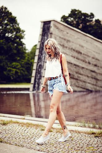 masha sedgwick blogger shorts shirt belt shoes jewels back to school denim shorts blue shorts distressed denim shorts red backpack white top summer top slip on shoes grey shoes