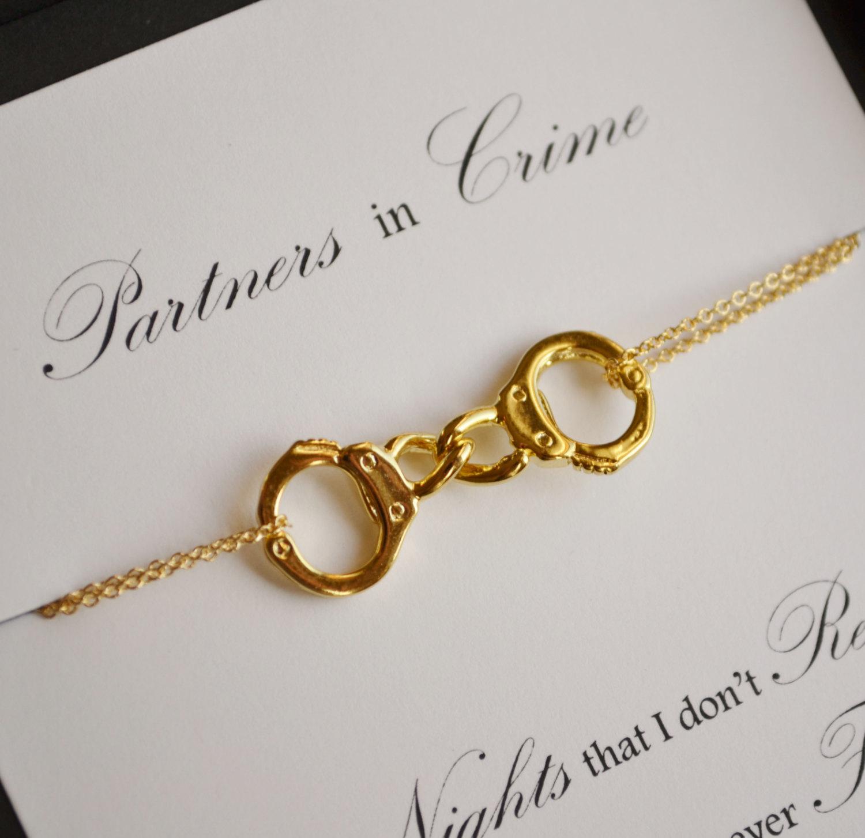 Socios en el crimen.Mano de oro brazalete collar vinculado...Collar de amistad