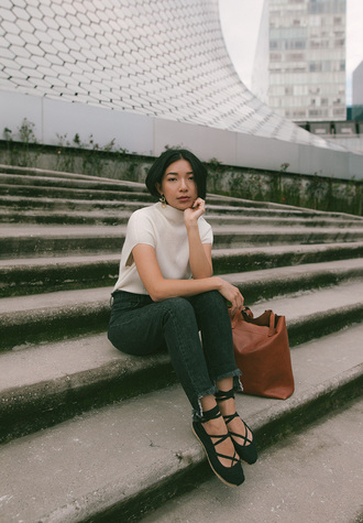 honey n silk blogger top jeans shoes bag tote bag brown bag flats