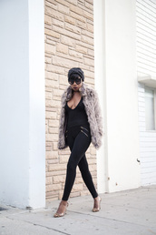 locks and trinkets,blogger,skinny pants,zipped pants,fuzzy coat