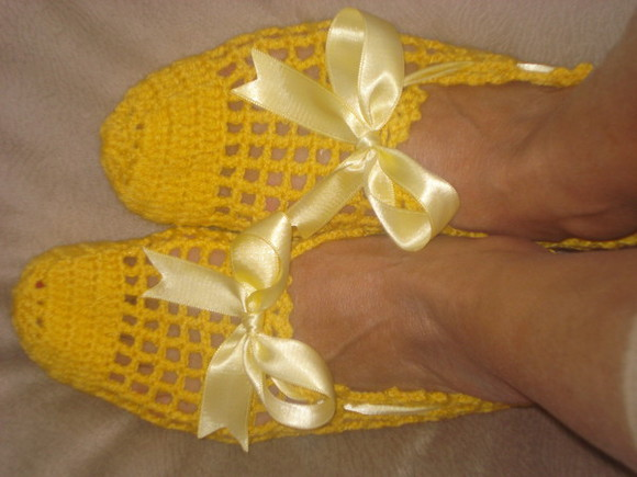 dress ribbon socks lace socks yellow handmade socks hand knit socks handmade lace slippers booties ankle booties christmas gift hand knit slippers hand knit booties yellow slippers yellow booties ribbon black ribbon slippers yelllow ribbon slippers holiday
