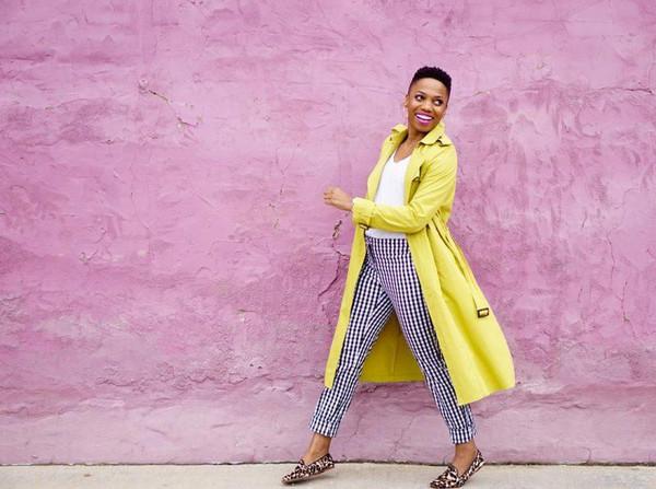 economyofstyle blogger coat t-shirt pants shoes make-up