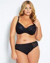 underwear,fiona falkiner,model,curvy,plus size,bra,panties,black panties,black bra