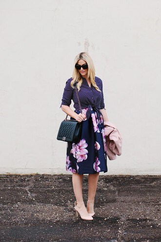 a little dash of darling blogger floral skirt midi skirt shirt