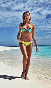 swimwear,bikini,bikini top,bikini bottoms,hailey baldwin,model,summer,beach,colorblock,triangl,colorful,neoprene bikini
