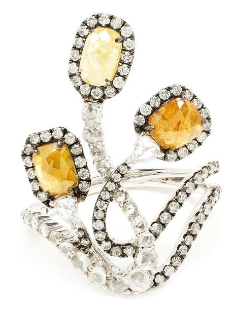 Saqqara ring gold white yellow orange jewels