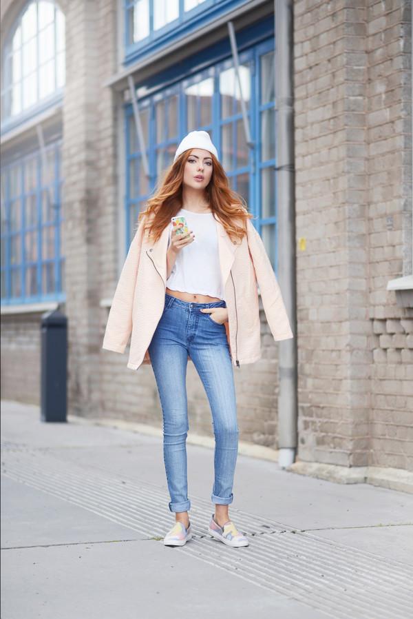 ebba zingmark blogger jacket t-shirt jeans