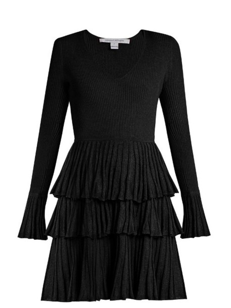 f950ed4a9d9 DIANE VON FURSTENBERG Sharlynn dress in black - Wheretoget