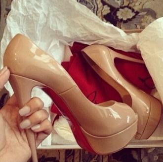 shoes high heels heel high heels cute girly girl tan cream pretty nice fashion accessory style vintage retro