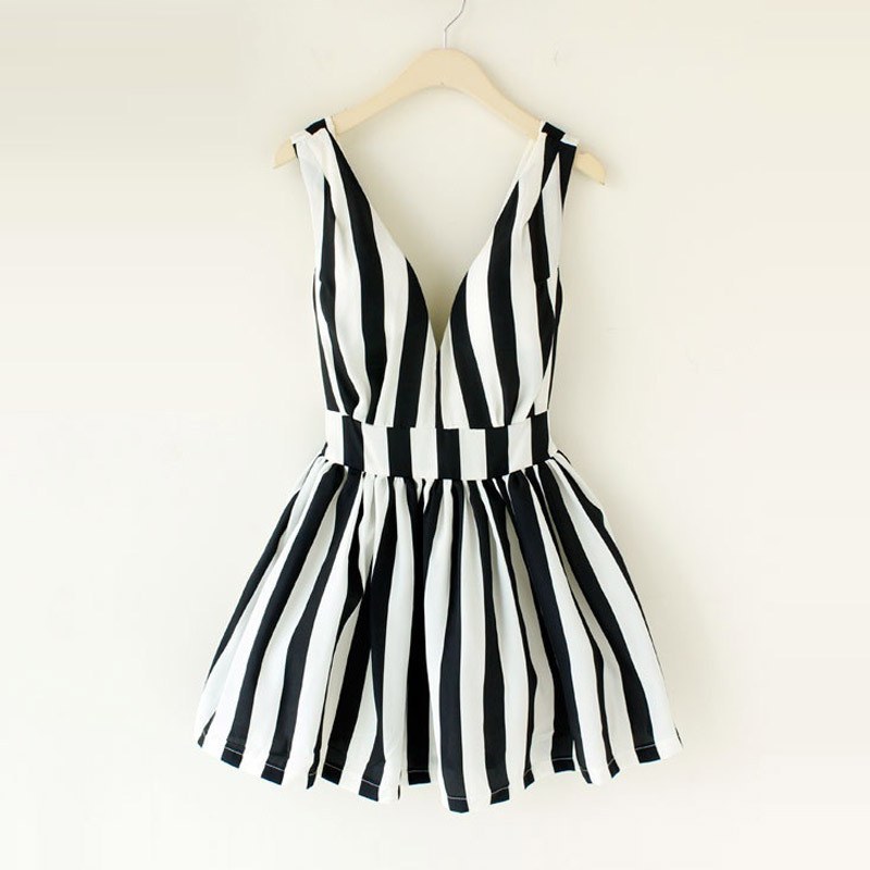 House woman home Hepburn retro fresh striped tie chest deep V booster back heart skirt dress tutu L228-ZZKKO