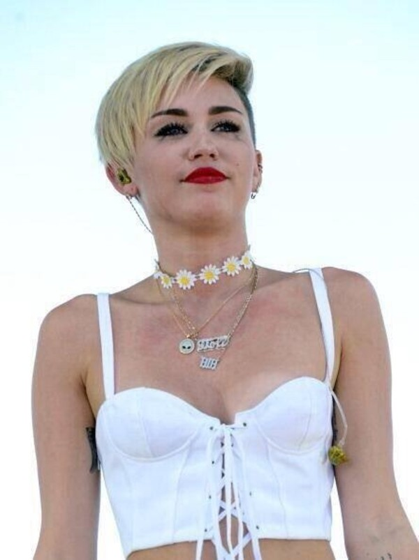 jewels miley cyrus choker necklace daisy tumblr