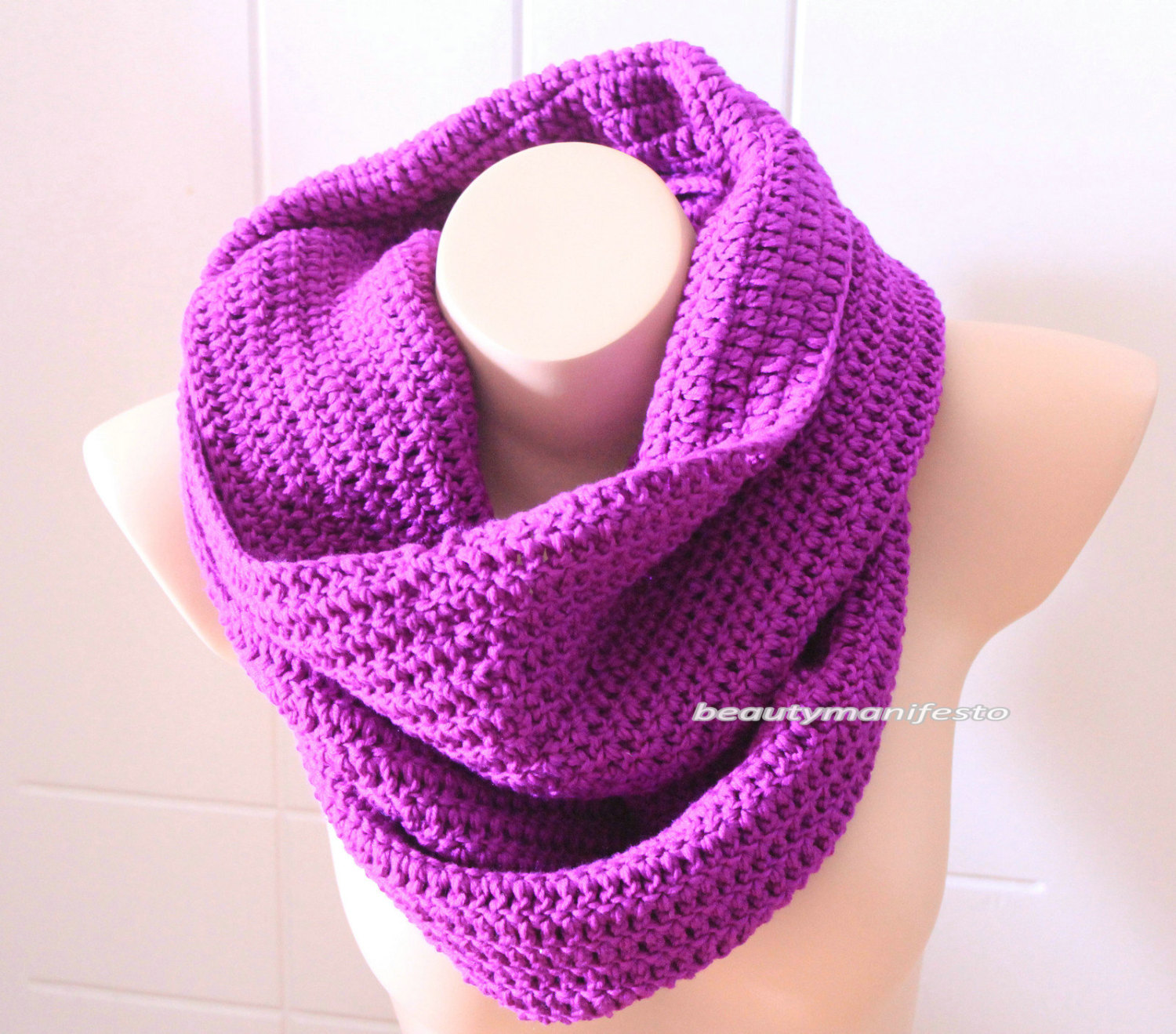 Oversized knit scarf,oversized chunky infinity scarf in purple color,crochet infinity scarves,free shipping