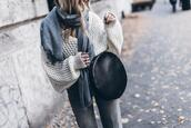 mikuta,blogger,sweater,pants,bag,shoes,scarf