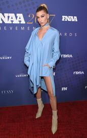 dress,shirt,shirt dress,hailey baldwin,blue,blue dress,asymmetrical,asymmetrical dress,boots,model off-duty