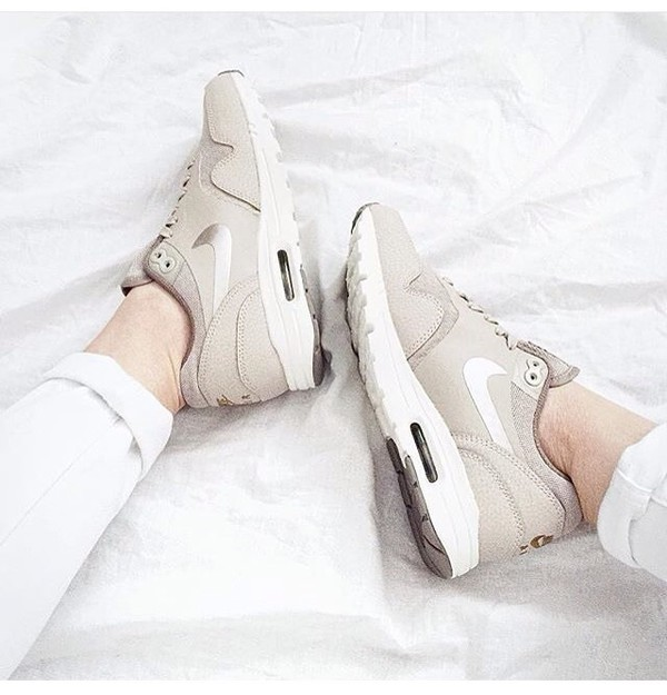 nike air max 1 essential woman string